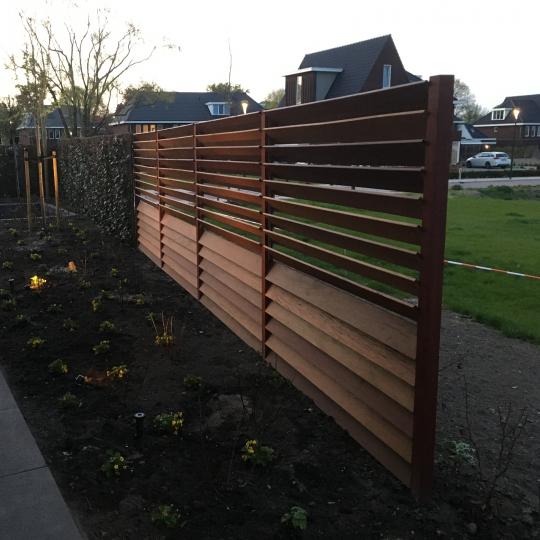 Verwonderend Schuttingen van hardhout en staal, mooi voor elke tuin QJ-79